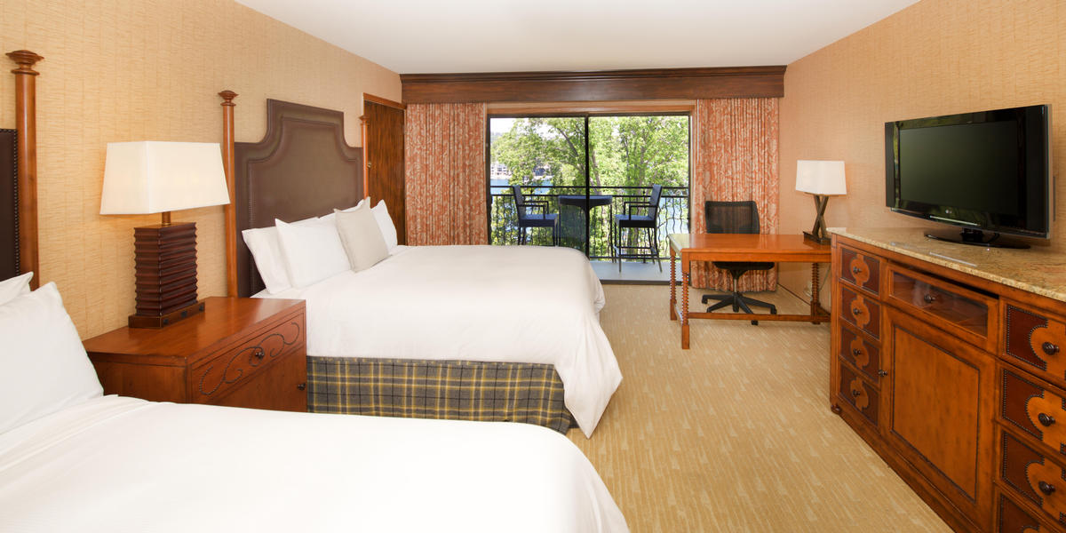 Guest room at Lake Arrowhead Resort